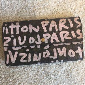 Louis Vuitton pink graffiti wallet heavy wear
